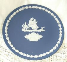 """Wedgwood 1975 Mother & Child Collector's Plate Portland Blue 6 1/2"""""""
