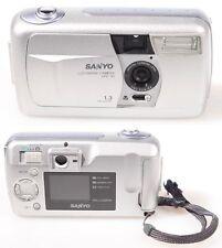 SANYO VPC-R1 DIGITAL CAMERA FOR PARTS