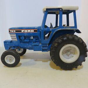 Ertl Ford TW-15 Tractor   1/12  FD-848-G