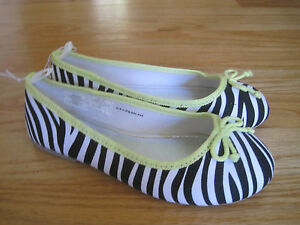 Girl OLD NAVY BLACK WHITE ZEBRA NEON YELLOW TRIM flats shoes NWT 13