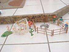 Playmobil Lot of people and animals w/ cages and zoo signs Camel wild beast +