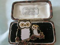 VINTAGE SIGNED CLOISONNE ENAMEL OWL OWLET ANIMAL 22CT GOLD PLATED BROOCH PIN