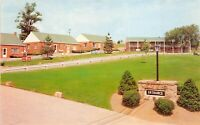 Uniontown Pennsylvania 1960s Postcard Motel & Howard Johnson's Restaurant