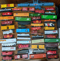 HO ROLLING STOCK MIXED LOT OF 50+, VINTAGE. JUNKYARD..VARNEY TYCO, MANTUA, ETC