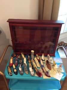 HUGE Lot of 26 pc Just The Right Shoe Club Miniatures Raine w/ COAs & Wood Case