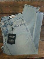 Womens Jeans  Slimming Stretch Mid Rise Capri Lt Blue Simply Vera Vera Wang NWT