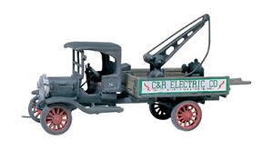 Woodland Scenics D217 HO Service Truck 1914 Diamond T Vehicle Figure