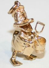 Superb Heavy 9ct Gold Donald Duck Charm Complete With Bucket & Spade 6.3 grams