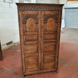 ANTIQUE/REPRODUCTION SOLID OAK HALL-ROBE/ARMOIRE IN THE GEORGIAN MANNER