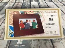 "Digital photo frame 1 GB Memory. 7"" Widescreen Plays Video. Delaware Park"