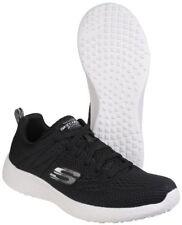 Scarpe da uomo neri marca Skechers prodotta in Cina