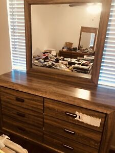 NEW WOOD DRESSER With MIRROR CHEST WITH 6 DRAWERS
