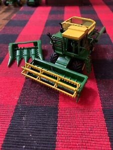 1/64 Custom Lot 5- 4400 Combine W/ Hopper W/ 2 Heads Farm Toy