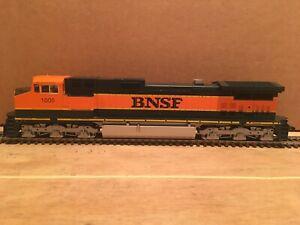 HO Kato BNSF Dash 9 C44-9W Powered Diesel Locomotive #1005