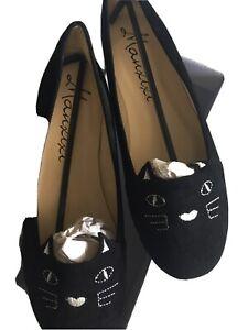 Velvet cat shoes, size 5. Cute, kitsch.