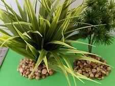 2 AQUARIUM Plastic  PLANTS  W/ ROCK BASES Nice