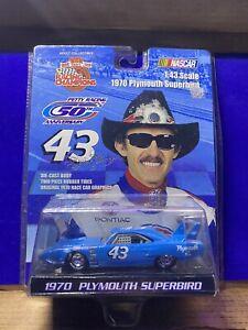 NASCAR 1970 Plymouth Superbird Richard Petty Die-cast Car Racing Champions 1:43