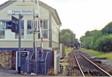 PHOTO  BUCKINGHAMSHIRE  FENNY STRATFORD SIGNALBOX AND RAILWAY STATION 1991
