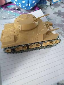 Solido Tank
