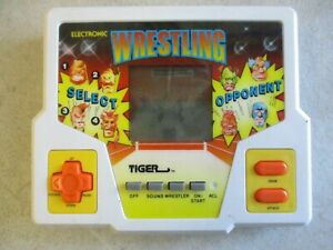 VINTAGE 1987 ELECTRONIC WRESTLING LCD GAME BY TIGER ELECTRONICS TESTED WORKING