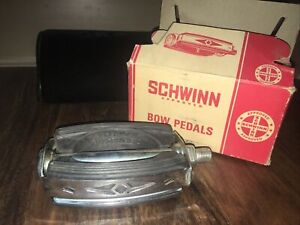 """(1) Nos 1967 Schwinn Bike Pedal Bow Stingray? Krate? Deluxe? 57500 1/2"""" W/ Box"""