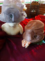 les  beaux  chapeaux cloche ,neufs ,paille de soie 56cmtour de téte