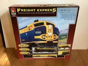 Life-Like Train Set HO Scale Freight Express Santa Fe Oval Track 120 Piece Set