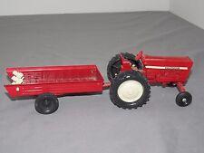 1/32 ERTL IH International Harvester Farmall 656 wide front Tractor w Spreader
