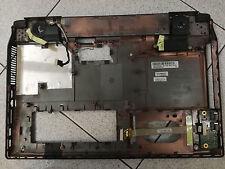 Asus X5Ms parte inferiore, con casse e scheda controllo USB