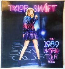 TAYLOR SWIFT - 1989 World Tour Book (Lenticular Cover - Staple Bound)