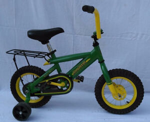 "12"" Tomy John Deere Heavy Duty Frame Bicycle W/Carry Rack Training Wheels 34938"