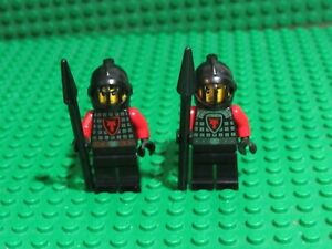 Lot of 2 Red Black Dragon Knight Kingdoms 70404 Castle Lego minifigs WH71