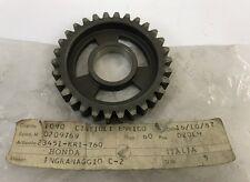 Ingranaggio C2 - GEAR, COUNTERSHAFT - Honda NS125 NOS: 23451-KR1-760