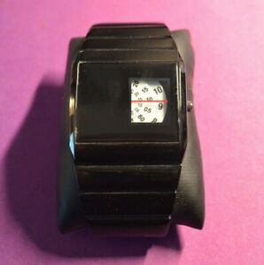 Unusual Watch Style. See Photos. SOFTECH - UK STOCK FAST SHIP