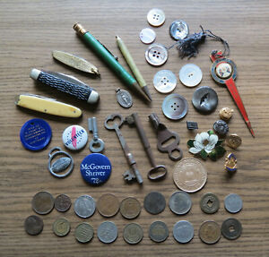 GOOD JUNK DRAWER LOT - KEYS - JEWELRY - BUTTONS - COINS Etc Antiques & Cool Stuf