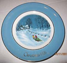 Avon Christmas Plate 1976 Bringing Home the Tree b47
