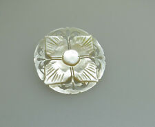 VINTAGE CARVED MOTHER OF PEARL BROOCH WITH FLOWER / FLORAL / PIERCED DECORATION