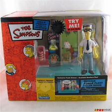 Simpsons Nuclear Power Plant Lunch Room with exclusive Frank Grimes box set