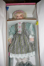 TREASURY COLLECTION PARADISE GALLERIES PORCELAIN DOLL MARILYN
