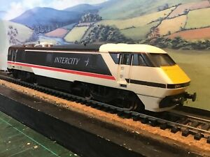 Hornby R240 class 91 B.R Swallow livery. 91 008. Boxed.