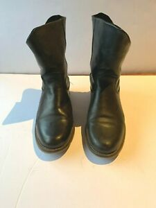 Isabella Anselmi Black leather short boot with fold. side stud. Size 38. westlyn