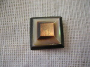 """Vintage Med 1-1/8"""" 3 Layer Square Pyramid MOP Mother Of Pearl Shell Button - N73"""