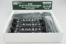 HO Scale Kato Kit 38-0202 GE General Electric Lamps 70 Ton Covered Hopper 3-Pack