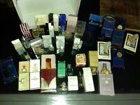 GROS  Lot 27 miniatures anciennes de parfum non pleines avec boites. Etat moyen