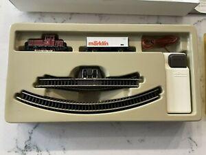 Vintage Marklin Z Scale 8174 Train Layout Battery Starter set w/ Track Loco Car