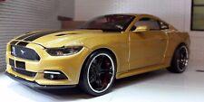 Gold Custom Ford Mustang 2015 3.7 5.0 V8 GT 1:24 Scale Maisto Model Car 31369
