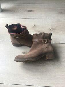Tommy Hilfiger Boots/Stiefelette Wildleder Gr. 41 braun