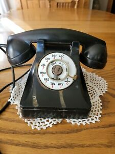 Vintage 1940s Tabletop Western Electric Bell Systems Bakelite Rotary Dial Phone
