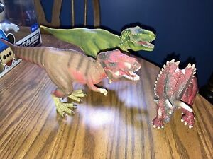 SCHLEICH RED TRICERATOPS DINOSAUR FIGURE And T-Rex Lot Of 3