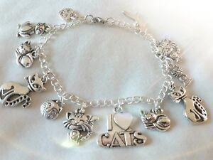 "Handmade chain charm bracelet - Cats  (""antique silver"")"